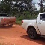 Confronto de Força Entre uma Toyota Hilux e uma Mitsubishi L200