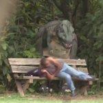 Pegadinha: Dinossauro no Parque