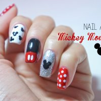 Nail Art Mickey Mouse
